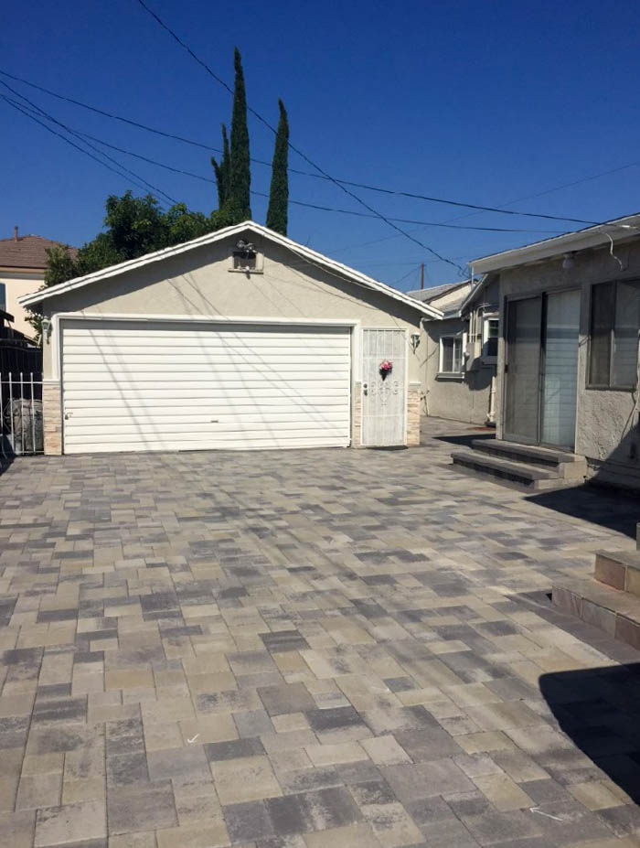 Angelus Courtyard Driveway After Pavers 5
