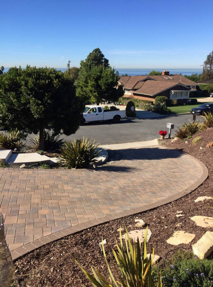 Driveway After Pavers 2